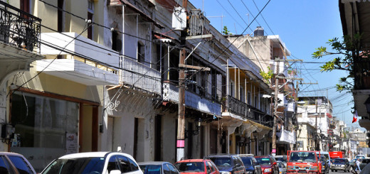 Moradores de la Zona Colonial se quejan de la construcción ilegal de un hotel en unos de los edificios históricos de la zona. Foto: Carmen Suárez/acento.com.do. Fecha: 03/12/2013.
